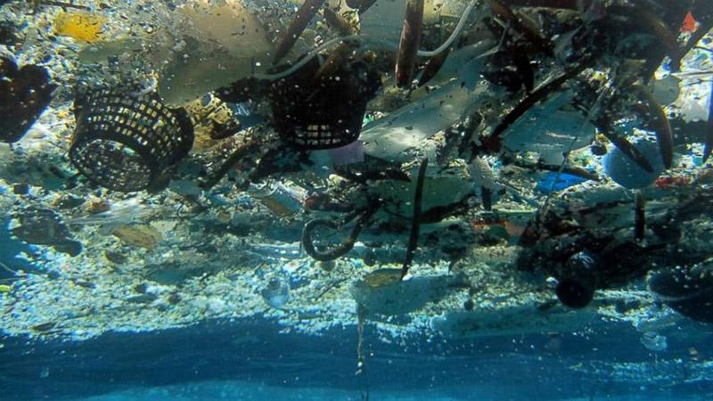 Plastik zamanlar: Plastik yiyoruz, plastik içiyoruz, plastik soluyoruz