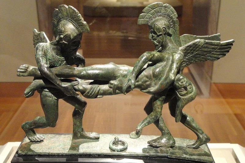 Uyku ve Ölüm, Sarpedon'u taşıyor, MÖ 400-380, Etrüsk, bronz – Cleveland Sanat Müzesi. C: Daderot, CC0, Wikimedia Commons aracılığıyla